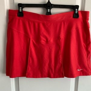Nike Coral/Red Tennis Skort Small